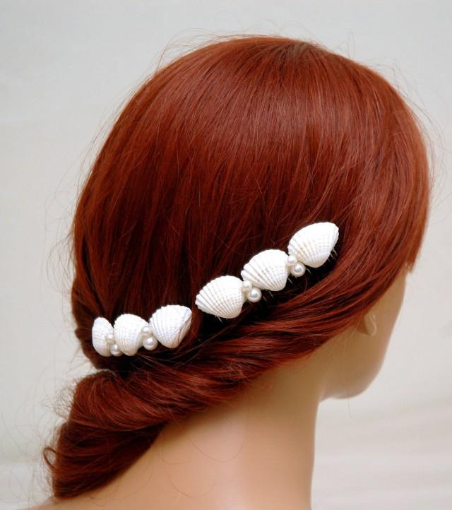 wedding photo - Beach Wedding Headpiece Bridal Hair Comb Seashell and Pearls Hair Comb Set Shell Hair Comb Boho Wedding Nautical Beach Hair Comb - $29.00 USD
