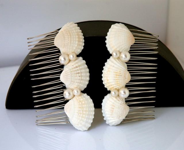 wedding photo - Beach Wedding Hair Accessories Seashell and Pearls Hair Comb Set Bridal Hair Comb Shell Hair Comb Boho Wedding Nautical Beach Hair Comb - $29.00 USD