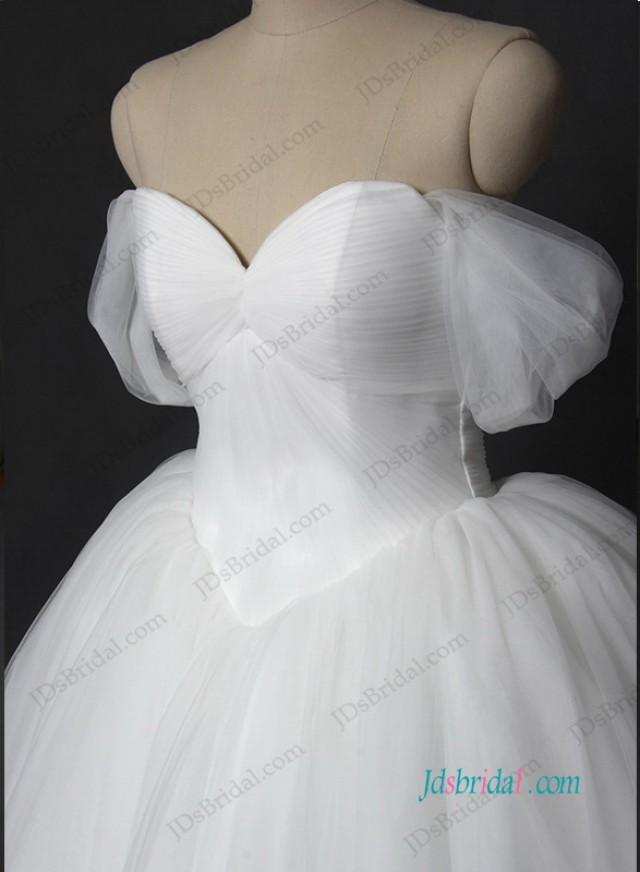 wedding photo - Plain off shoulder tulle princess wedding ball gown