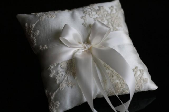 wedding photo - Ivory Ring Bearer Pillow  Lace Wedding Bearer Ring Holder  Ivory Satin Bearer, Lace Ring Pillow, Ivory Wedding Pillow, Lace Wedding Pillow - $28.00 USD