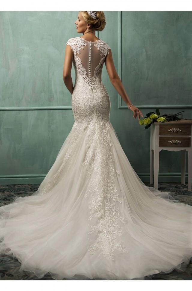 Lace tulle stunning train wedding dress 2015 wedding for How to find a wedding dress