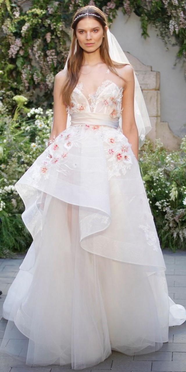 wedding photo - Monique Lhuillier Spring 2017: Gorgeous Wedding Gowns With Romantic Floral Details