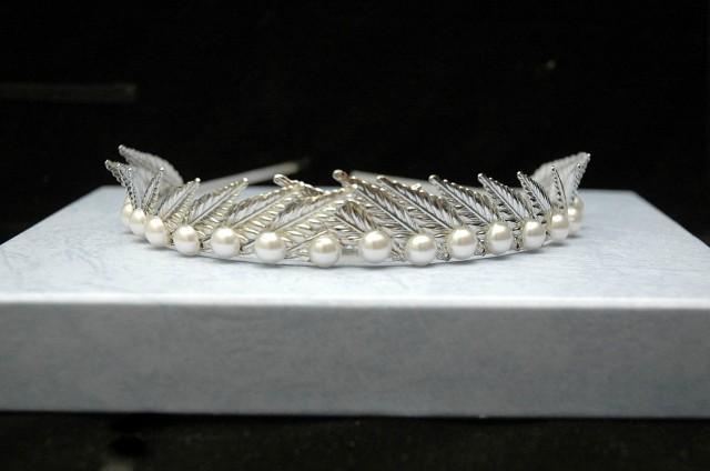 wedding photo - Leaf Pearl Headband, Silver Leaf Crown, Leaf Headpiece, Greek Goddess Headband Crown Wedding Leaf Hair Piece, Tiara - $33.00 USD