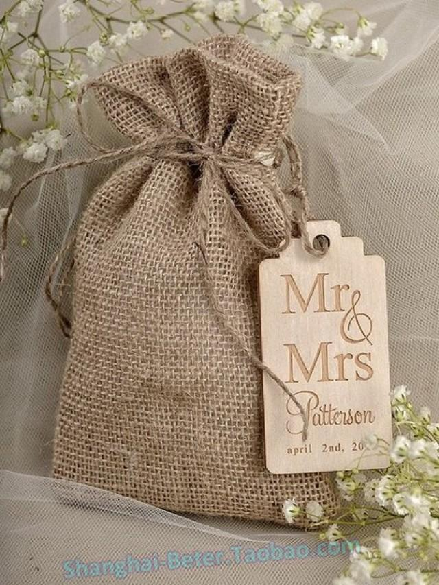 wedding photo - BETER-TH046 Beter Gifts® #HempFavorBag LGBT Rustic #WeddingReception Decor #weddingfavorbag #candybag #rusticwedding #burlapbag #beterwedding