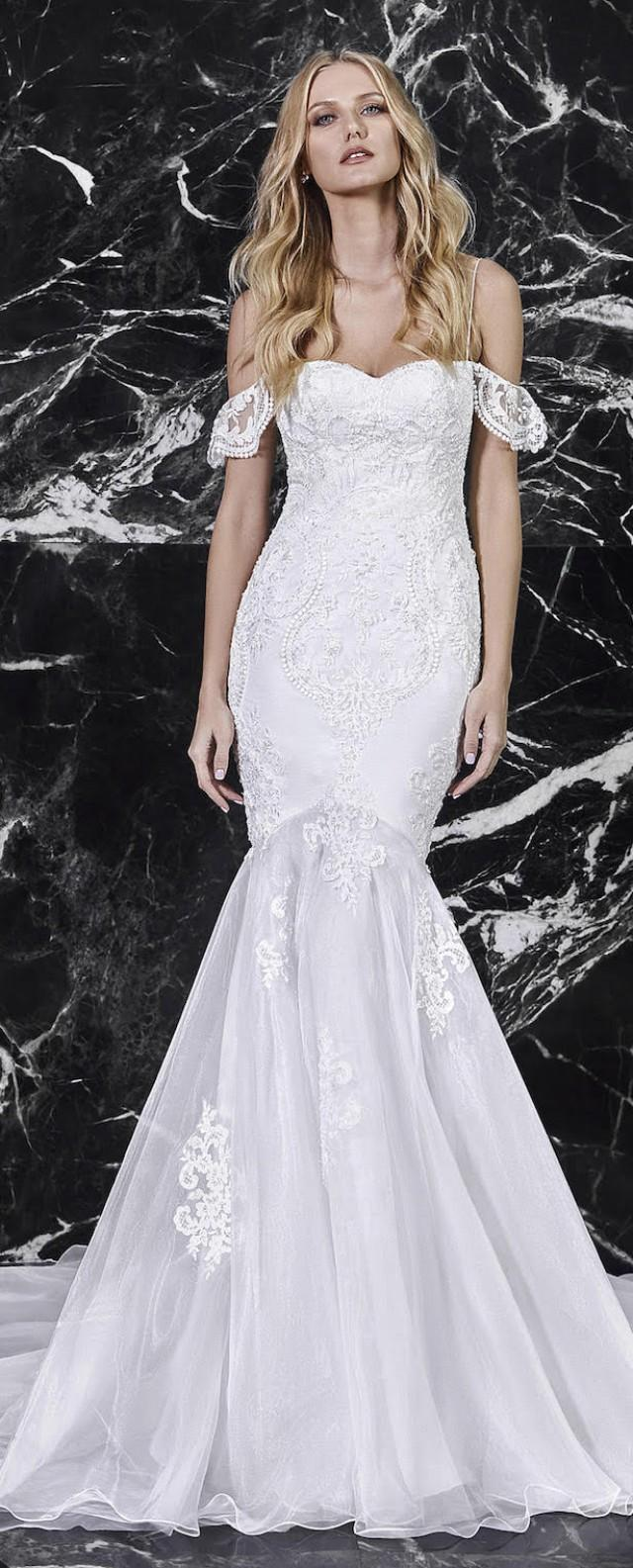 """Wedding Dresses by Victoria Kyriakides Bridal Spring 2018 Collection """"Le Boudoir"""" - Belle The Magazine"""