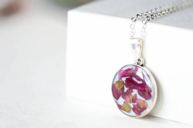 epoxy resin pendant with petals pendant necklace