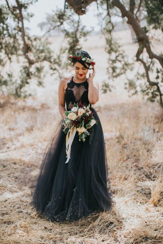 Свадебное платье коричневого цвета