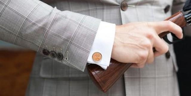 wedding photo - 5 Easy Steps To Put On Your Cufflinks