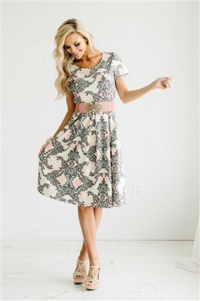 The Ivy In Paisley Floral