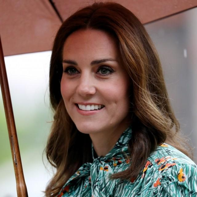 Kate Middleton y su vestido estilo lady, mejor look de la semana