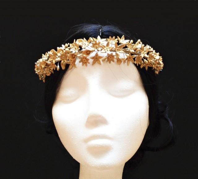 wedding photo - Bridal crown. Bridal headpiece. Wedding crown. Bride flower crown. Floral headpiece. Bridal wreath. Porcelain flower crown. Bridesmaid hair - $126.50 EUR