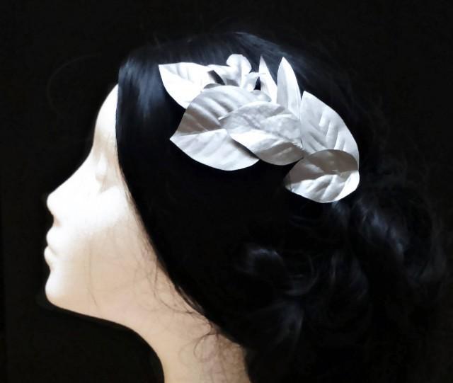 wedding photo - Bridal leaf hair wreath. Silver bridal leaf. Wedding hair wreath. Bridesmaid hair accessories. Silver comb. Wedding comb. Bridal comb. - $14.50 EUR