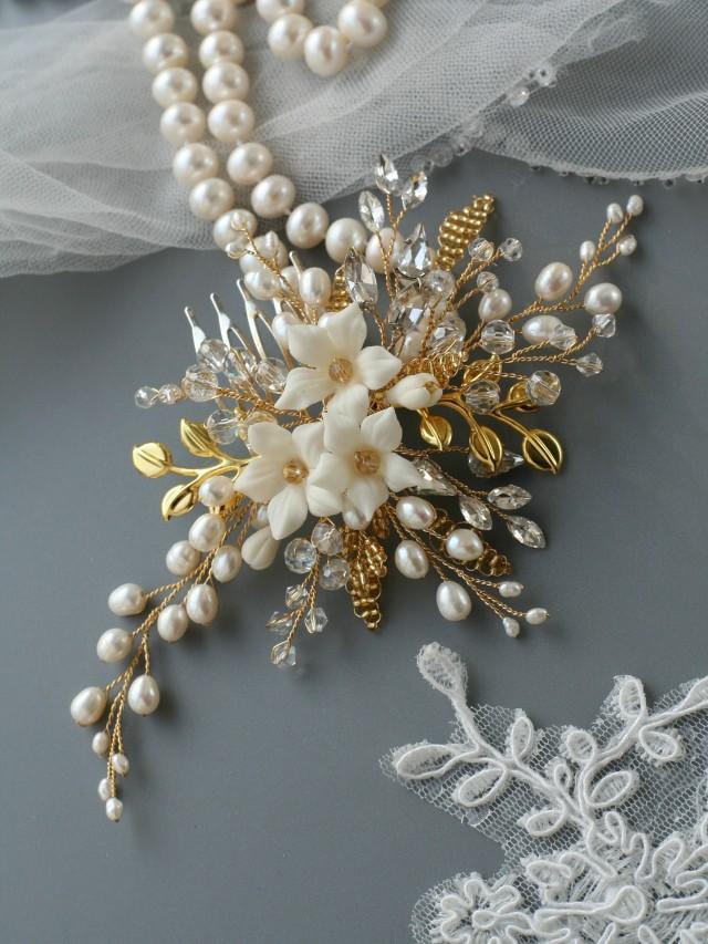 wedding photo - Gold comb Gold Wedding hair comb Bridal hair accessories Gold Bridal hair comb Bridal hair flower Flower comb Pearl comb - $68.00 USD