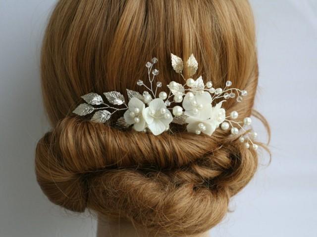 wedding photo - Hydrangea Wedding hair pin Hydrangea Bridal hair pin Flower Bridal Hair pin Bridal headpiece Pearl Crystal pin Bridal Hair accessories - $30.00 USD