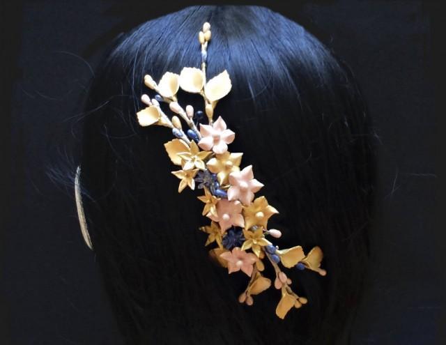 wedding photo - Bridal hair comb. Wedding hair comb. Floral hair comb. Porcelain comb. Wedding hair vine. Bridal headpiece. Wedding headpiece. Bridesmaid. - $44.75 EUR