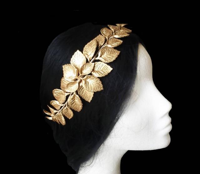 wedding photo - Bridal leaf hair comb. Wedding hair comb. Wedding accessories. Porcelain comb. Bridesmaid comb. Bridal headpiece. Bridal veil hair comb. - $27.25 EUR