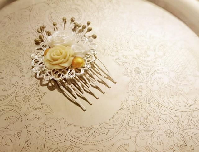 wedding photo - Handmade wedding hair comb clip resin flowers roses vintage gold creme white wedding prom accessory hair piece bride - $16.00 USD