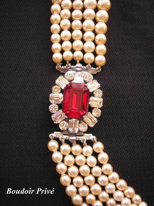 wedding photo - Vintage Pompadour Pearl Necklace