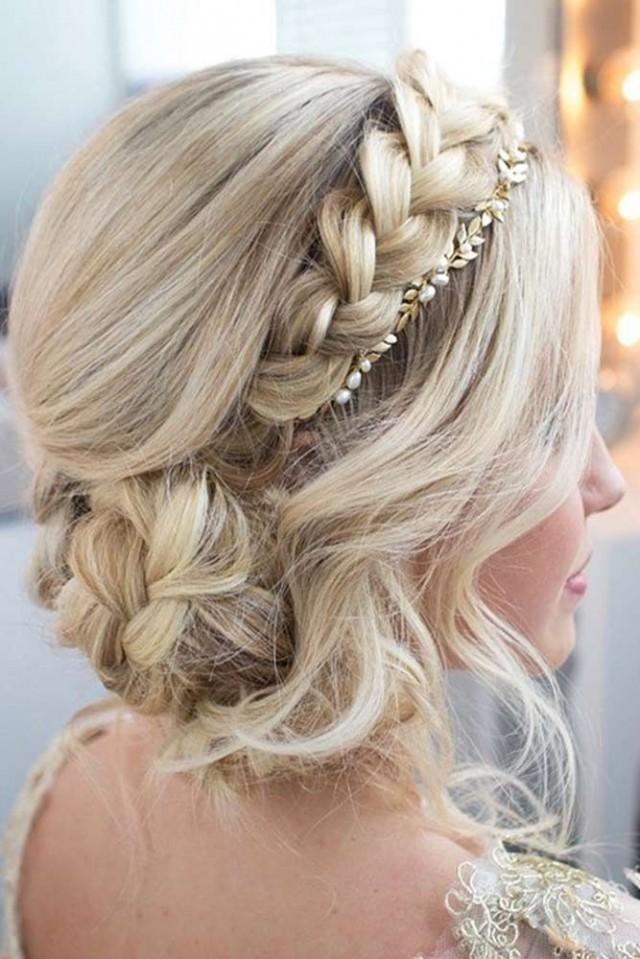21 Exquisite Updos For Long Hair To Admire