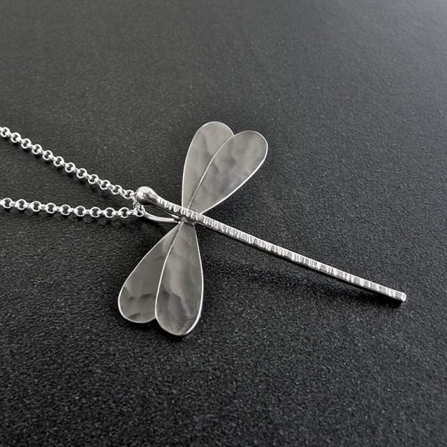 Dragonfly necklace pendant, silver dragonfly pendant, dragonfly jewelry, dragonfly unique gifts for women, insect jewelry, animal jewelry
