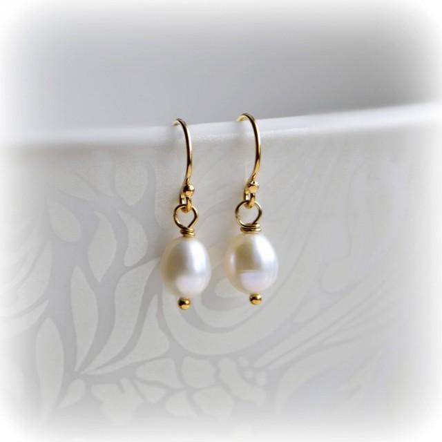 Small Pearl Earrings, Bridesmaid Earrings, Pearl Bridesmaid Earrings, Bridesmaid Gift, Bridesmaid Jewelry, Handmade Earrings by Blissaria