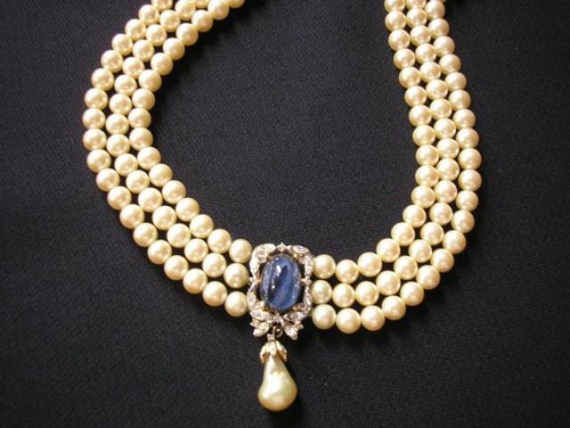 wedding photo - Vintage Pearl Choker, CIRO Pearls, Gatsby Jewelry, Pearl Necklace, Art Deco, Bridal Jewelry, Wedding Collar, Cream Pearls, 3 Strand Sapphire