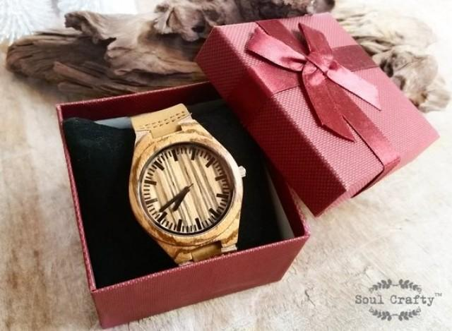 wedding photo - Personalized Wooden Watch Engraved Birthday Wedding Grooms gift BFF Groomsman Best Man Wedding Anniversary Valentine's Gift