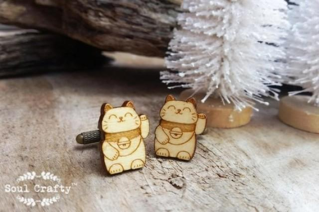 wedding photo - Maneki Neko Fortune Cat wooden Cufflinks Japanese lucky charm Good luck cats Dad Grooms Best man Groomsman Wedding Birthday Gift Cuff links