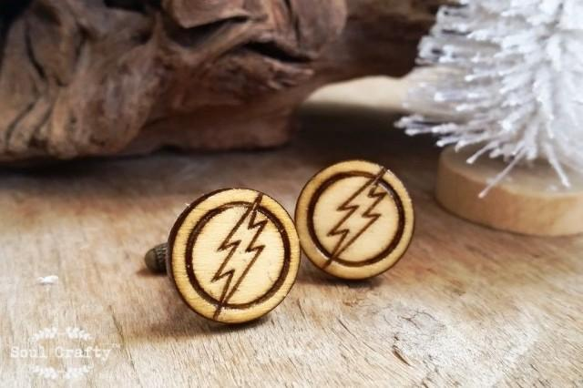 wedding photo - Flash Wooden Cufflinks Avengers Marvel Super Hero Dad Grooms Best man Groomsman