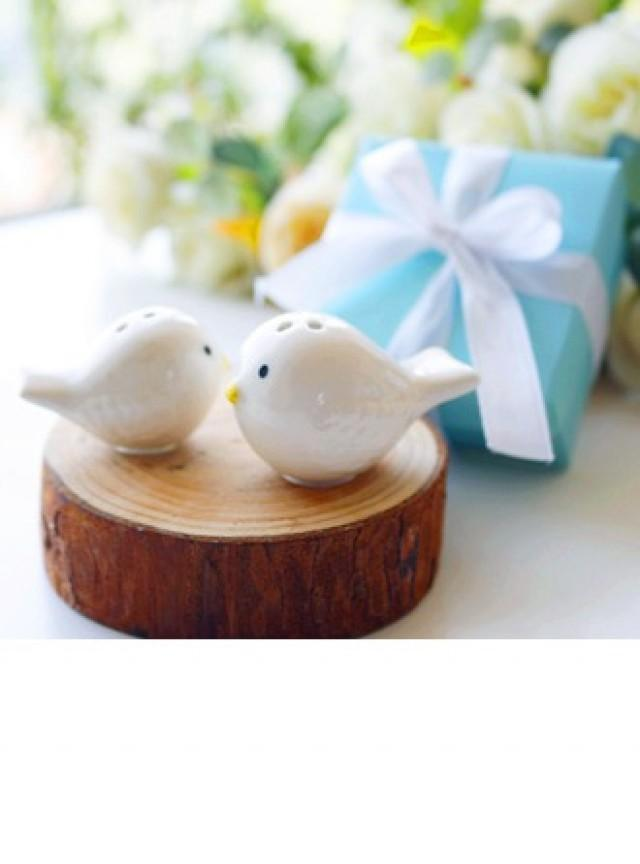 wedding photo - Love Birds Salt and Pepper Shakers Set in Tiffany Blue GiftBox (Set of 2) - BeterWedding