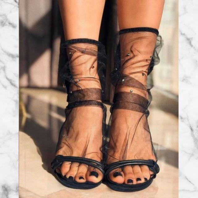 wedding photo - Pink or black wedding socks with rhinestones