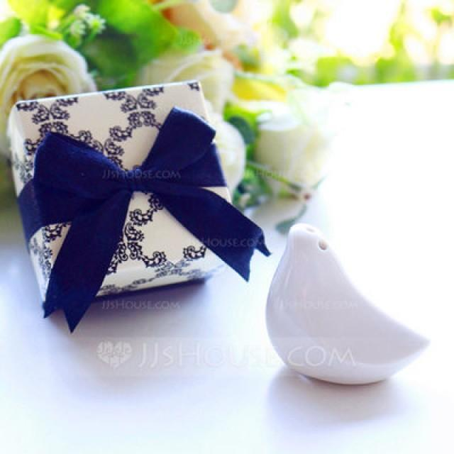 wedding photo - BeterWedding Love Bird Pepper Shaker in Black Damask box Wedding Favor (Sold in a single) - JJ's House