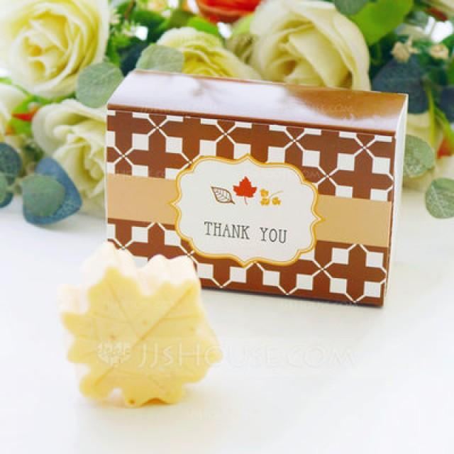 "wedding photo - Beter Gifts®  ""Fall in Love"" Scented Leaf-Shaped Soap Wedding Favors"
