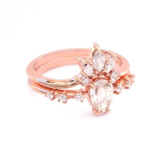 wedding photo - Pear Rose Cut Diamond Wedding Rings Set