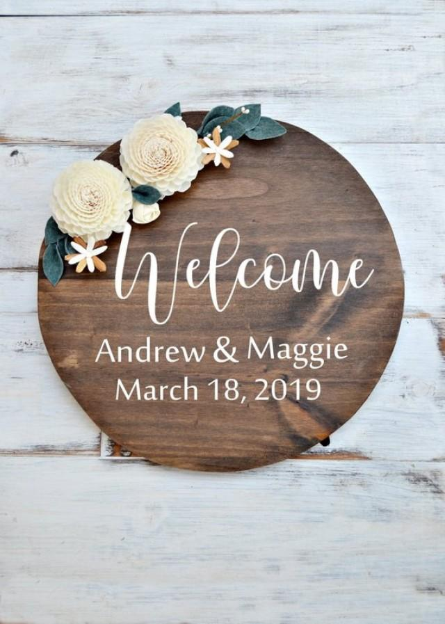 wedding photo - Welcome Wedding Wood Sign Sola Flowers, Round Welcome Sign, Rustic Custom Wedding Sign, Romantic Sign, Wall Home Decor, Nursery Sign Name.