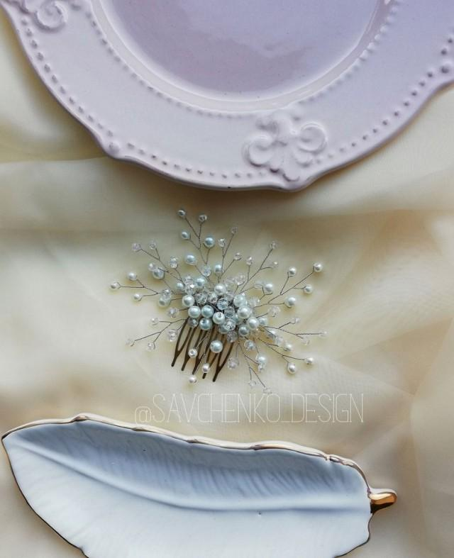 wedding photo - Pearls bridal hair comb