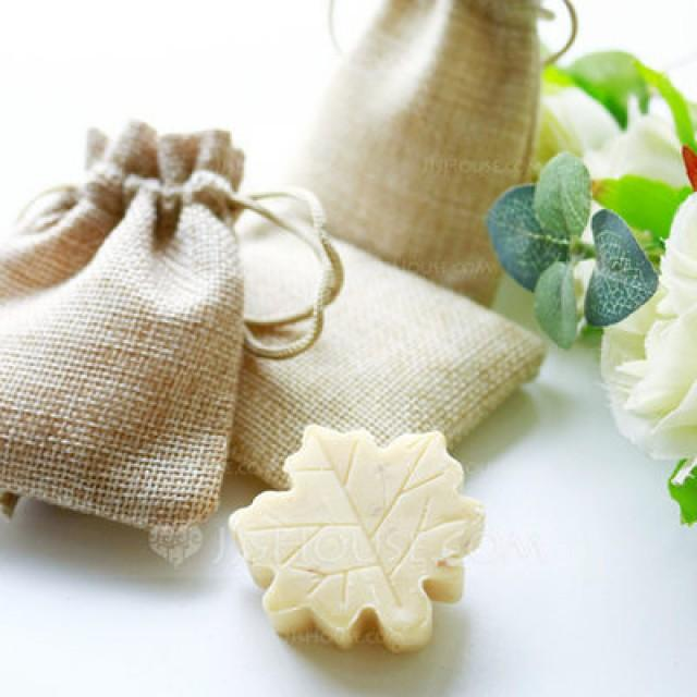wedding photo - Leaf Design Soap in Burlap Bag Wedding Favors - Shanghai-Beter.Taobao.com