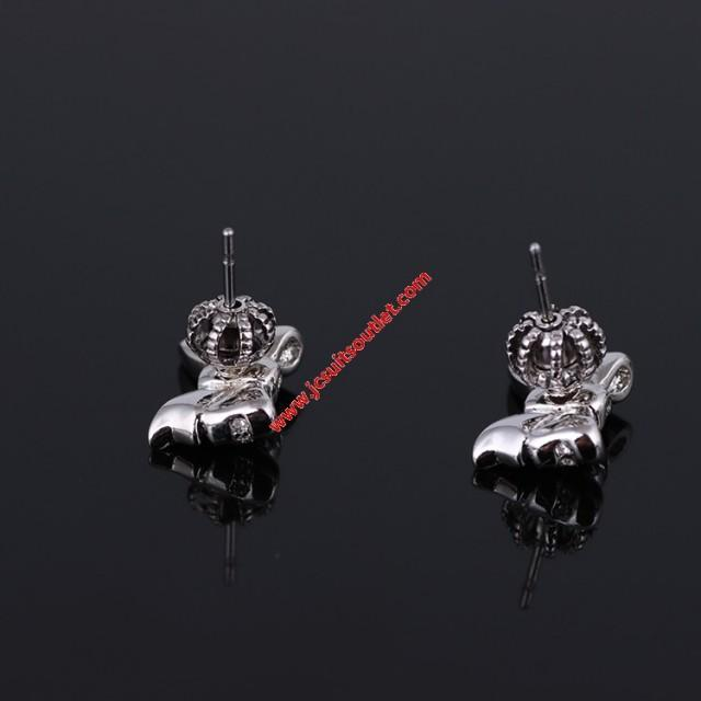 wedding photo - Juicy Couture Silver-Tone Diamond Bow Earrings
