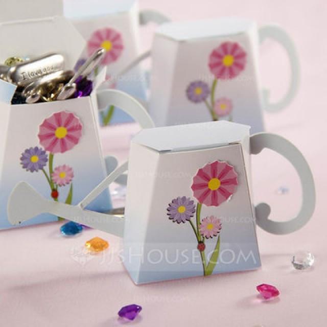 "wedding photo - BeterWedding ""English Garden"" Watering Can Favor Box DIY Decoration"