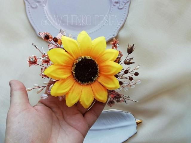 wedding photo - Sunflower bridal headpiece Sunflower hair piece Sunflower wedding headpiece Fall wedding Yellow hair flower Floral hair pins wedding Novia