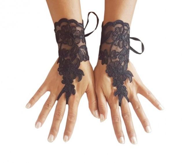 wedding photo - Black lace gloves, Fingerless Gloves, bride, bridal gloves, Steampunk, gothic gloves, burlesque, bellydance, show girl, gothic accessories,