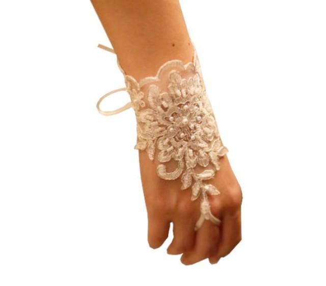wedding photo - Bridal Gloves, Wedding Gloves, Ivory Lace gloves, Fingerless Gloves, Ivory wedding, cuffs, wedding cuffs, bride, bridal gloves, Bridal cuffs