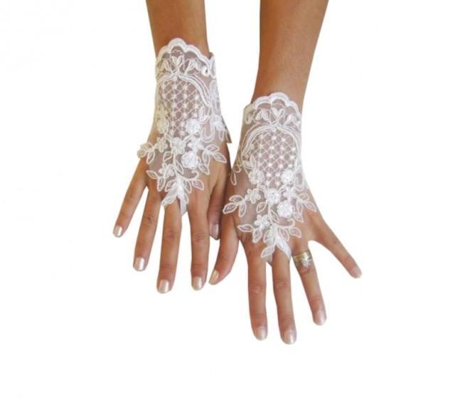wedding photo - Ivory Wedding gloves, french lace gloves, bridal gloves, lace gloves, fingerless gloves, ivory gloves, bridal shower, prom, party, 231