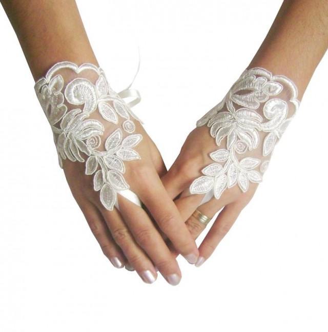 wedding photo - Ivory Wedding gloves, french lace gloves, bridal gloves, lace gloves, fingerless gloves, ivory glove, bridal shower, gloves lace, wedding