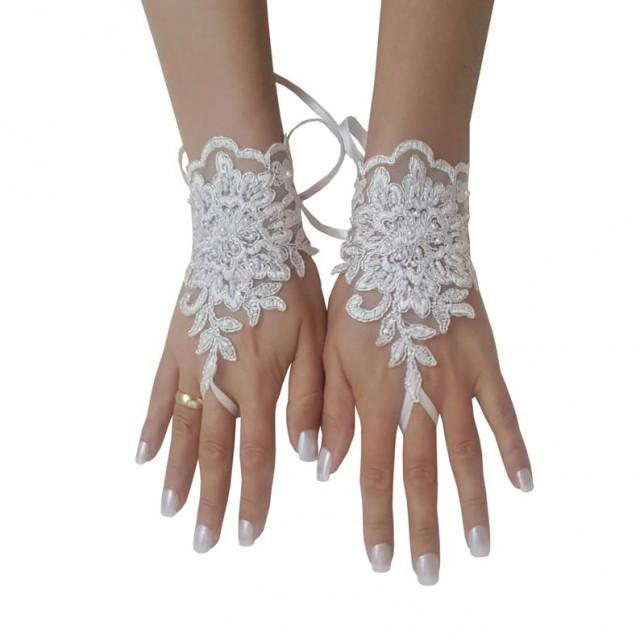 wedding photo - Beaded, ivory, silver, frame, wedding gloves, bridal glove, lace gloves, bridesmaid gift, bridal accesory, fingerless glove, armwarmers lace
