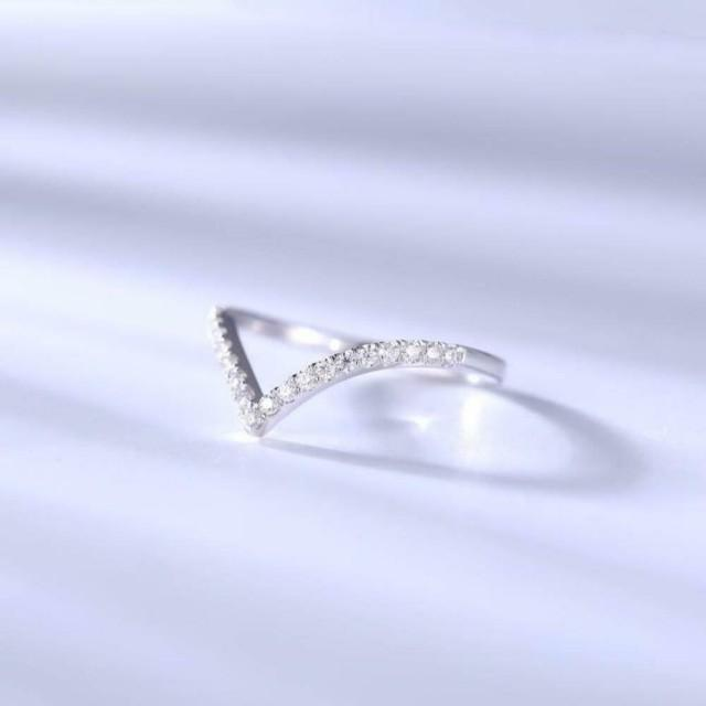wedding photo - Best Store To Buy 0.17ct Curved Moissanite Wedding Band