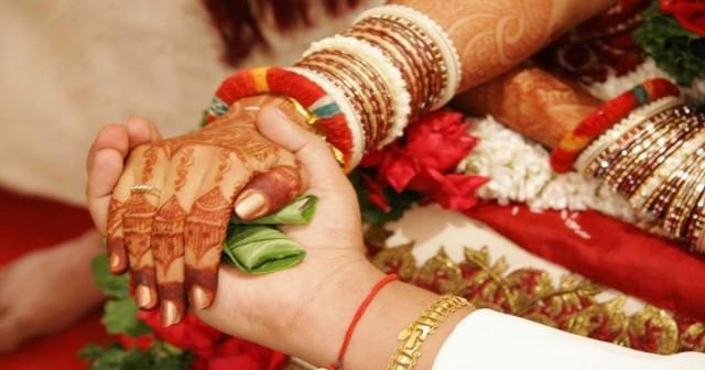 wedding photo - What makes online Kamma matrimonial services more popular than the traditional marriage brokers?