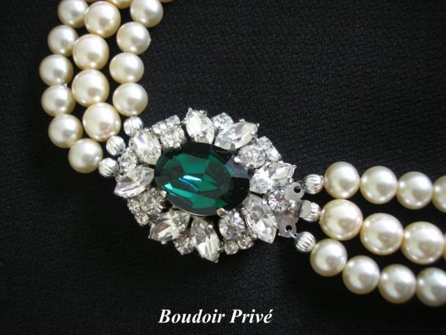 wedding photo - Vintage 1950s Pearl And Emerald Rhinestone Necklace