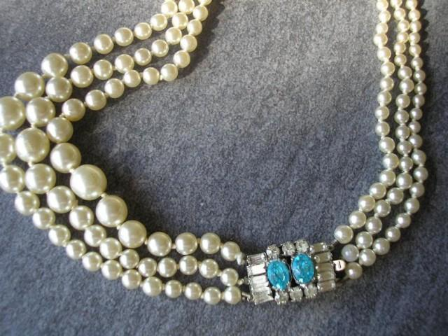 wedding photo - Vintage Pearl Necklace With Side Clasp, Vintage Bridal Pearls, Pearl And Turquoise Necklace, 3 Strand Pearls, Ivory Pearls, Wedding Pearls