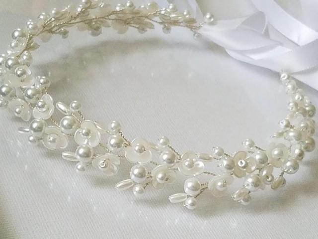 wedding photo - Pearl Bridal Hair Vine, Wedding White Pearl Hair Piece, Bridal Floral Headpiece, Wedding Hair Jewelry, Dainty Pearl Hair Vine Wedding Wreath